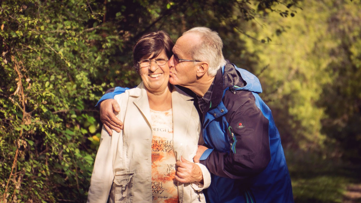 Elderly-Couple-Featured